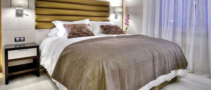 andorra_arinsal_princesca-parc-&-diana-parc-spa-hotel_luxury-standard-bedroom.jpg